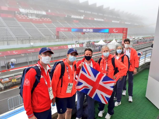 Minister fro Sport at Tokyo road cycling venue